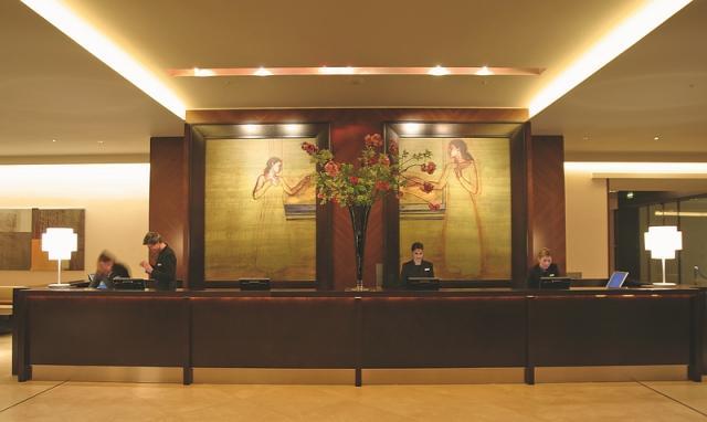riverbank_plaza_lobby.jpg